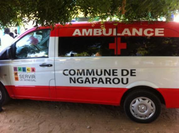 Remise de deux ambulances médicalisées aux mairies de Somone et de Ngaparou