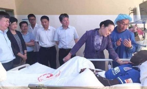Demba ba sur son lit d'hôpital « « Allahumma lakal hamd »