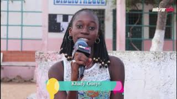 [VIDEO] EMISSION – LA VOIX DE LA JEUNESSE n*1 : Kady Gueye et ses invités donnent la solution sur la baisse du niveau des élèves au Sénégal.