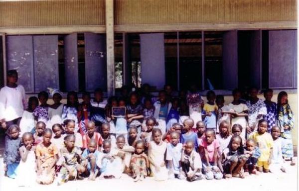 KOTHIONE : 135 élèves pour 20 tables-bancs