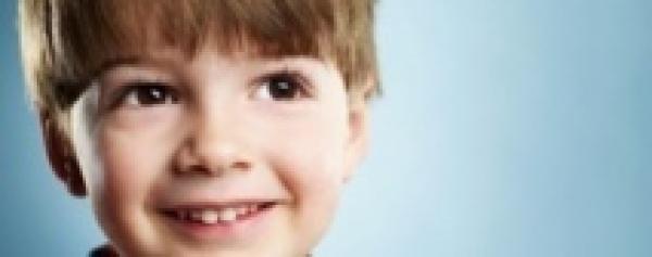 Pop, 6 ans, l'enfant suédois sans sexe