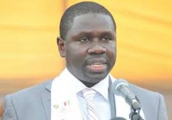 """Me Oumar Youm: la réduction du mandat présidentiel """"n'est pas justifiable"""""""