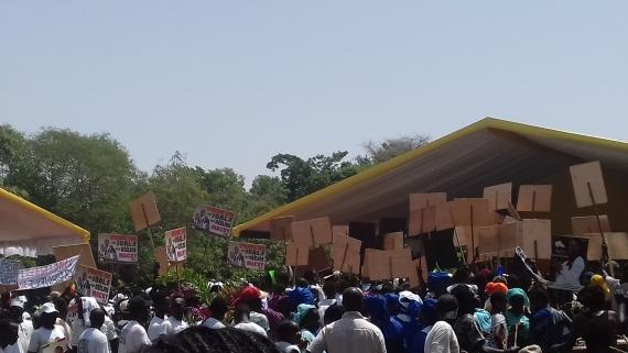 POLITIQUE – MACKY SALL  A SALY : Les pancartes des responsables locaux noient l'essentiel.