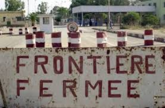 Ebola : le Sénégal ferme ses frontières avec la Guinée