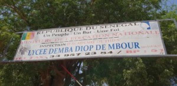 BACCALAUREAT 2021 : le lycée Demda Diop de Mbour assure les mesures barrières pour 1299 candidats.
