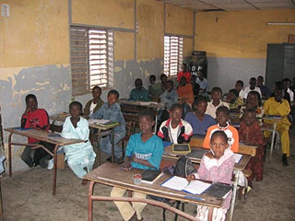 Nguéniène : une quarantaine d'abris de fortune accueillent des élèves et des enseignants