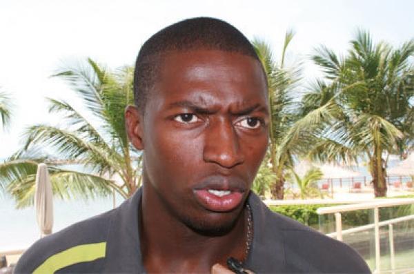 PAPE KOULY DIOP, international sénégalais (FOOTBALL)