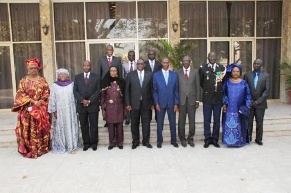le Président Macky Sall en compagnie des membres de l'OFNAC
