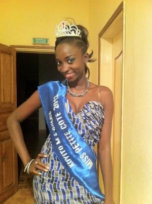 THESOU NDIAYE: la plus belle fille de la petite cote