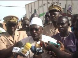 MBALLING : Suite au drame de l'usine Copélite, le Ministre de la Pêche Omar Guèye rend sur les lieux.