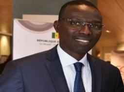 DAME DIOP, Ministre de la Formation Professionnelle de l'Emploi et de l'Economie Numérique : préparer les jeunes à s'adapter et à se reconvertir.