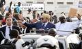Mohammed VI accueilli dans une ambiance festive, à Dakar