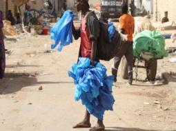 Environnement - Déchets plastiques : Les vendeurs et les usagers inquiets, le ministère maintient.