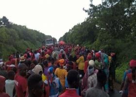 Nianing : les populations battent le macadam
