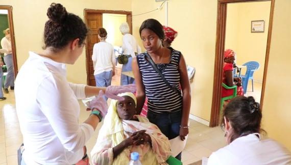 MBOUR : Le Mouvement AMDEM offre des consultations et des kits pour accouchement à plus d'une centaine de femmes enceintes.
