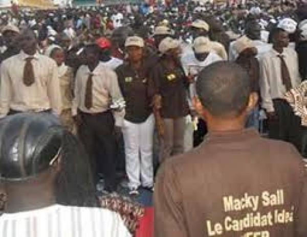 POLITIQUE – MBOUR : refus d'Omar Youm de se vacciner,  l'APR désavoue son Coordonnateur départemental.