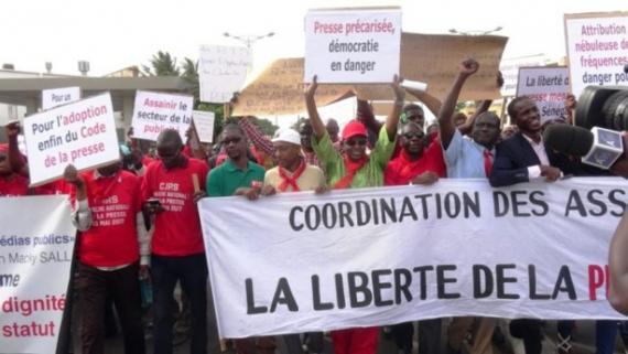 COORDINATION DES ASSOCIATIONS DE PRESSE (CAP) : Les acteurs des médias dans la rue le 3 mai.